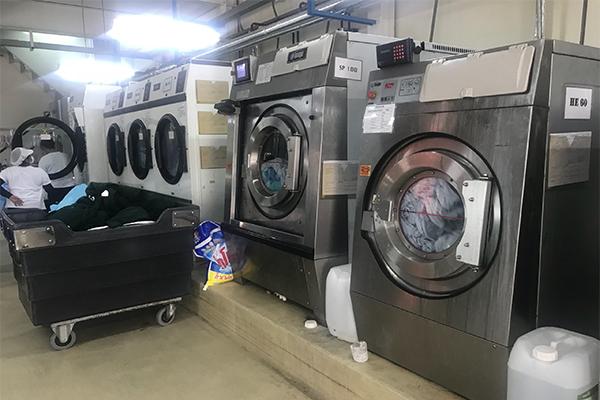 Đừng để máy giặt công nghiệp của bạn bị quá tải